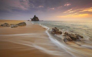 небо, облака, камни, волны, пейзаж, море, скала, песок, пляж