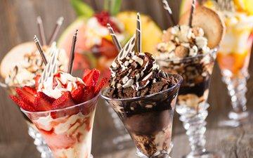 орехи, мороженое, клубника, ягоды, шоколад, сладкое, десерт