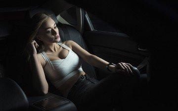 девушка, поза, блондинка, взгляд, модель, волосы, транспорт, сиденье