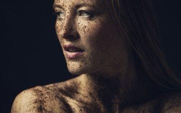 блондинка, портрет, кофе, модель, профиль, черный фон, лицо, помада