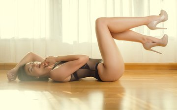 long hair, black lingerie, closed eyes, on the floor, high heels, emma, mariotti