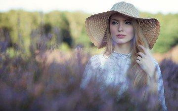 девушка, блондинка, портрет, взгляд, голубые глаза, шляпка, kari autumn
