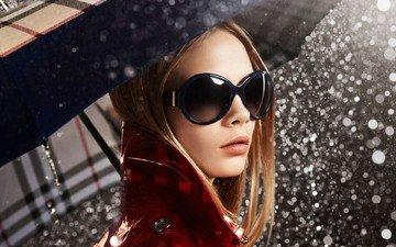 девушка, капли, очки, дождь, волосы, зонт, губы, пальто, кара делевинь, пуговица, cara delevigne