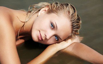 water, blonde, face, blue eyes, lying, lada d