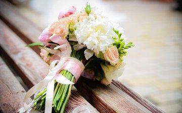 цветы, скамейка, букет, ленточка, композиция, свадебный букет