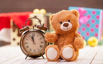 smile, gifts, watch, bear, toy, alarm clock