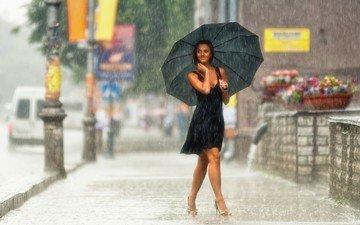 девушка, платье, улыбка, улица, дождь, зонт