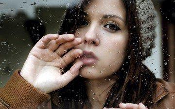 рука, девушка, портрет, капли, взгляд, волосы, лицо, стекло