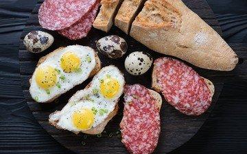 багет, яйца, колбаса, закуска, яичница, бутерброды, салями