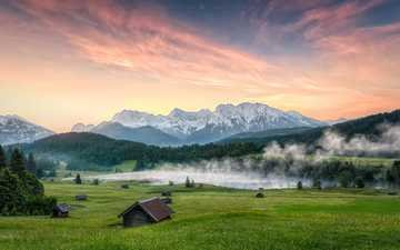 небо, трава, облака, озеро, горы, холмы, природа, берег, зелень, лес, закат, пейзаж, туман, поле, лето, домики, поляна