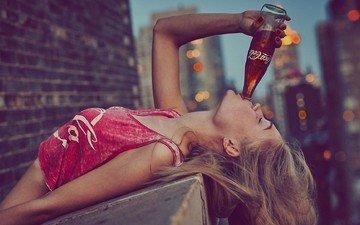 девушка, город, кока-кола