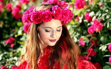 цветы, девушка, платье, розы, взгляд, волосы, лицо, макияж, венок