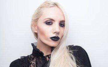 девушка, блондинка, портрет, взгляд, модель, волосы, лицо, макияж, пирсинг, губная помада