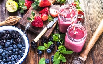 mint, drink, strawberry, berries, blueberries, tube, blackberry, smoothies