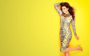 платье, актриса, желтый фон, знаменитость, болливуд, kajal agarwal, каджал агарвал
