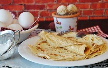 яйца, тарелка, блинчики, блины