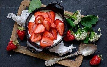 цветы, клубника, ягоды, десерт, натюрморт, ложка, йогурт