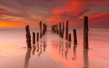 небо, облака, берег, закат, отражение, море, горизонт, океан, штиль, сумерки, сваи