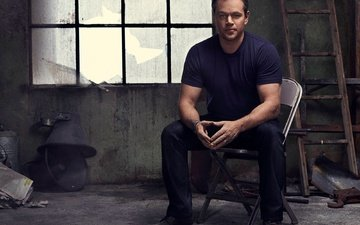 actor, sitting, photoshoot, matt damon, on the chair, nino munoz