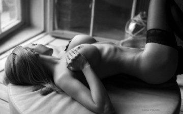 девушка, взгляд, лежит, модель, чулки, позирует, сиськи
