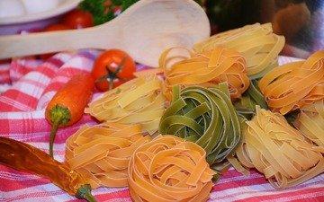 помидоры, перец, лапша, макаронные изделия, паста