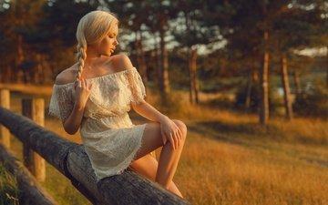 девушка, фон, поза, блондинка, модель, ножки, коса, белое платье, голые плечи, tonny jorgensen, nathan photography, mette munko