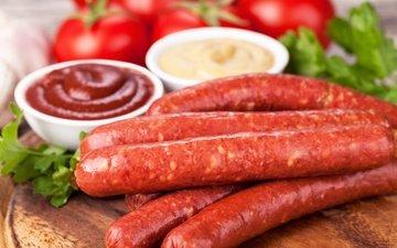 кетчуп, колбаса, помидоры, соус