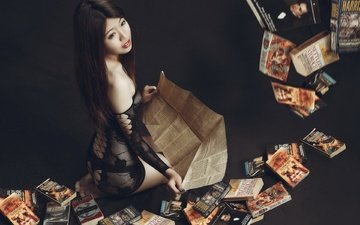 книги, азиатка