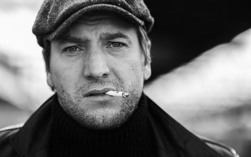 portrait, black and white, actor, cigarette, cop wars, alexander ustyugov