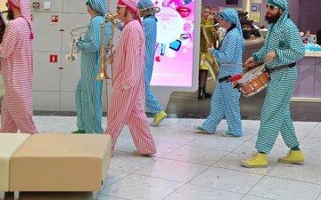 настроение, музыка, праздник, барабан, веселье, клоуны, саксафоны