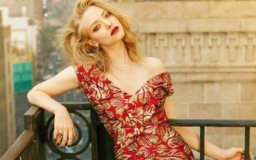dress, blonde, actress, red lips, amanda seyfried