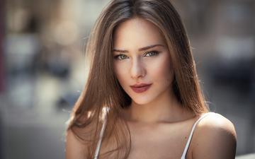 девушка, портрет, брюнетка, модель, лицо, зеленые глаза, майка, длинные волосы, обнаженные плечи, raluca arosoaie