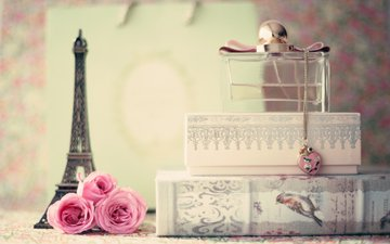 flowers, pendant, eiffel tower, decoration, perfume, still life, chain, bottle, souvenir, box