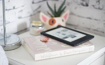 книга, столик, планшет