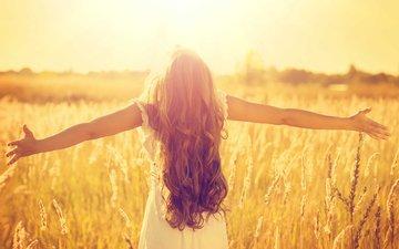 солнце, природа, девушка, настроение, пейзаж, поле, пшеница, волосы, счастье, свобода, простор, шатенка