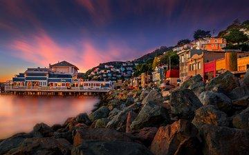 вечер, камни, закат, город, причал, дома, океан, сша, здания, калифорния, саусалито