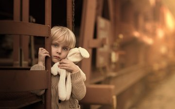 грусть, игрушка, ребенок, мальчик, детство, зайчик, sveta butko