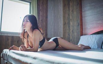 модель, азиатка, длинные волосы