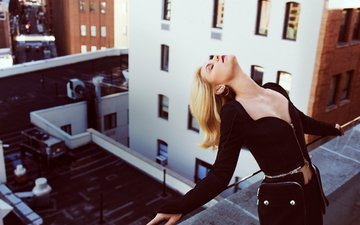 blonde, actress, black dress, closed eyes, claire danes
