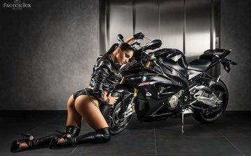 мотоцикл, байк, жопа, бмв, без задних ног, женщин, ботфорты, модел, fetish