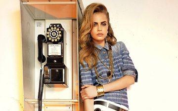 блондинка, модель, актриса, телефон, будка, кара делевинь