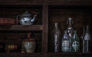 бутылка, чайник, натюрморт, полка, утварь