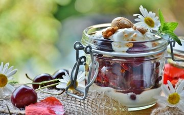 цветы, черешня, ткань, ромашки, ягоды, банка, карамель, мешковина, йогурт