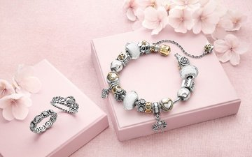 цветы, украшения, браслет, кольца, бренд, коробки, пандора
