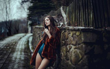 девушка, модель, ноги, волосы, лицо, сигарета, шуба, закрытые глаза