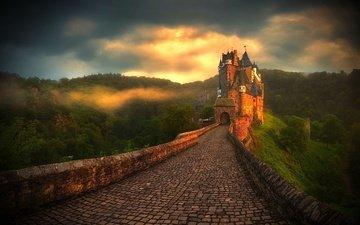 дорога, горы, природа, пейзаж, туман, замок, леса, германия, брусчатка