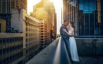 город, поцелуй, влюбленные