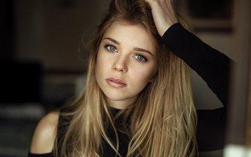 girl, blonde, portrait, look, model, lips, face, freckles, bokeh, blue-eyed, martin kuhn, yvonne michelle