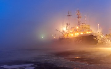 lights, fog, ice, port