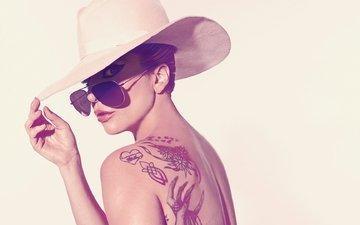glasses, tattoo, shoulders, actress, singer, hat, american, lady gaga